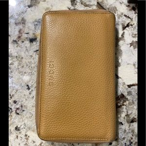 Gucci Tan/Whiskey Calf Vertical Zip Wallet